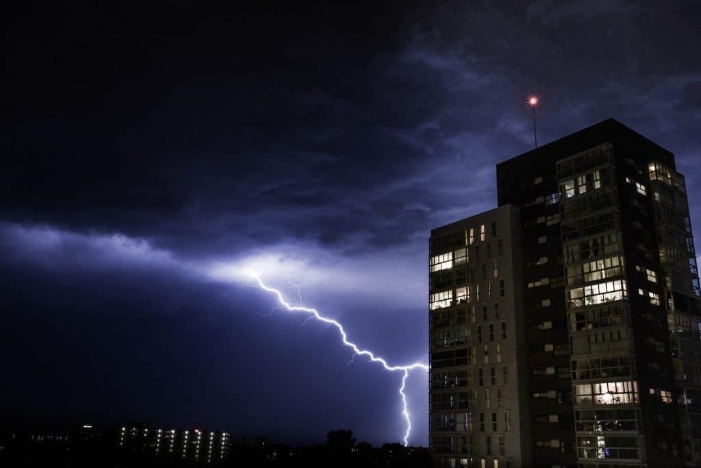 thunder-1645378_1920
